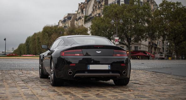 location-ASTON MARTIN-Paris-roadstr