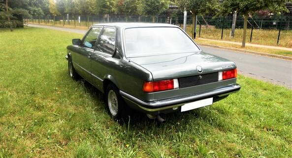 location-BMW-Dourdan-roadstr