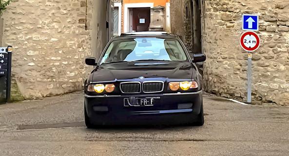 location-BMW-Voiron-roadstr