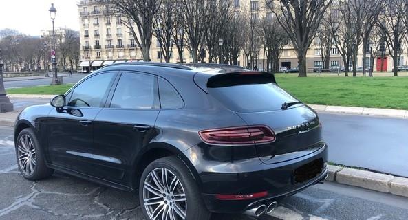 location-PORSCHE-Paris-roadstr