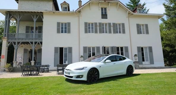 location-TESLA-Bordeaux-roadstr