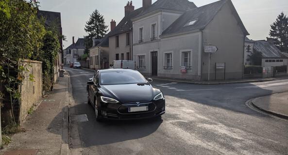 location-TESLA-Montbonnot-Saint-Martin-roadstr