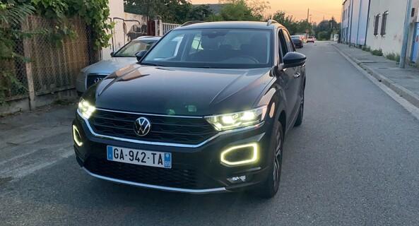 location-VOLKSWAGEN (VW)-Villeurbanne-roadstr