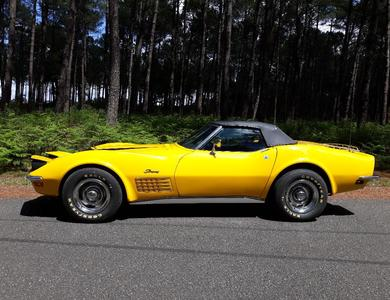 Chevrolet Corvette Stingray C3 Cabriolet 1972 à Paris (20ème arr.)