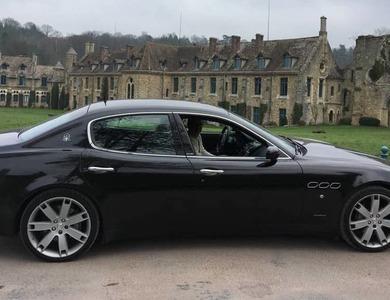 Maserati Quattroporte à Saint-Nom-la-Bretèche (Yvelines)