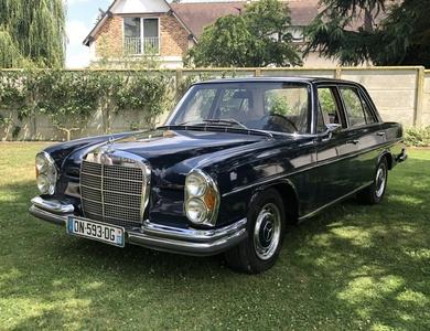 Mercedes-benz 280 Se (w108) à Asnières-sur-Seine (Hauts-de-Seine)