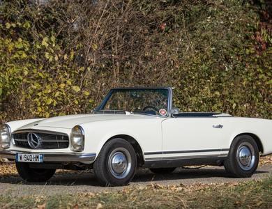 Mercedes-benz Pagode Sl 230 (r113) à Vaulx-en-Velin (Rhône)