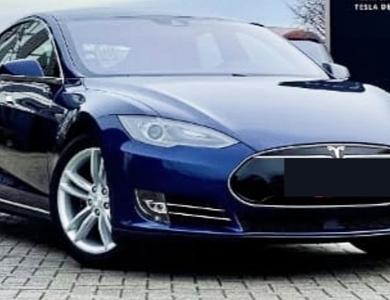 Tesla Model S 70 D à Paris (17ème arr.)