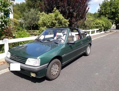 Peugeot 205 Roland Garros Cabriolet à La Chapelle-sur-Erdre (Loire-Atlantique)