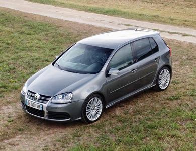 Volkswagen (vw) Golf V R32 à Les Eyzies (Dordogne)
