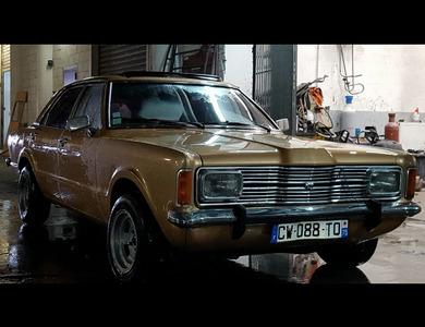 Ford Taunus à Paris (11ème arr.)