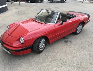 Alfa Romeo Spider à Lyon (4ème arr.)