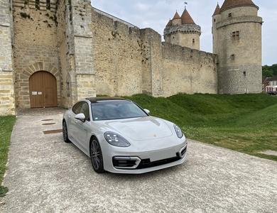 Porsche Panamera 4s E-hybrid à Saint-Maur-des-Fossés (Val-de-Marne)