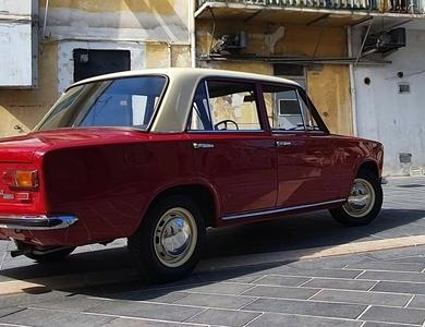 Fiat 124 à Nice (Alpes-Maritimes)