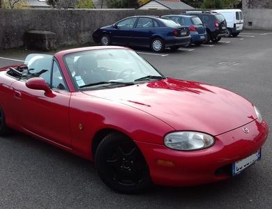 Mazda Mx-5 (nb) à Angers (Maine-et-Loire)