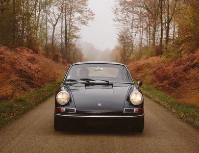 Porsche 912 à Courbevoie (Hauts-de-Seine)