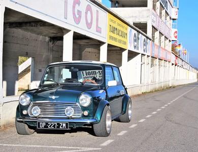 Austin Mini Cooper à Saint-Léonard (Marne)