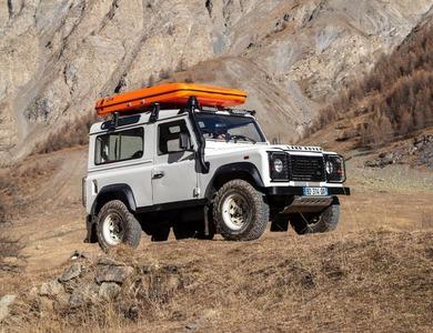 Land Rover Defender à Marseille (5ème arr.)