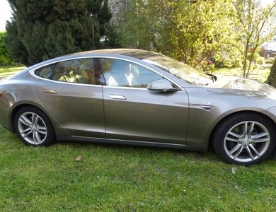 Tesla Model S 70d à Paris (14ème arr.)