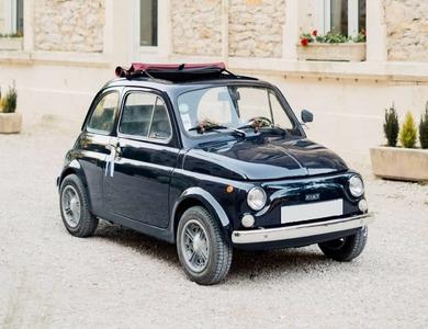 Fiat 500 R Bleue à Aix-en-Provence (Bouches-du-Rhône)