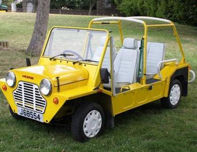 Austin Mini Moke Jaune à Grimaud (Var)