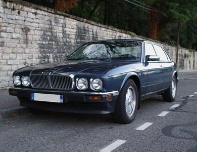 Jaguar Xj40 à Jonage (Rhône)
