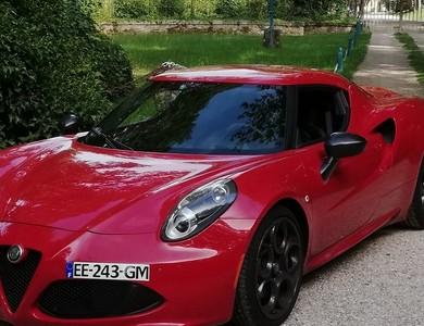 Alfa Romeo 4c à Trappes (Yvelines)