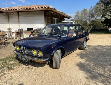 Alfa Romeo Alfetta 1800 à Vallon-Pont-d'Arc (Ardèche)