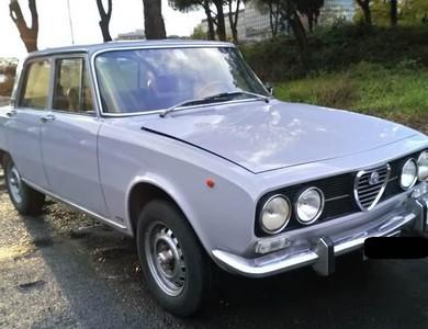 Alfa Romeo Berlina 2000 à Saint-Marcellin (Isère)