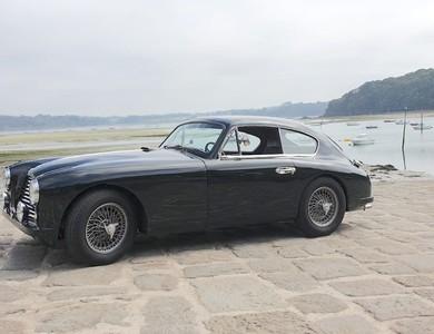 Aston Martin Db2/4 à Paris (8ème arr.)