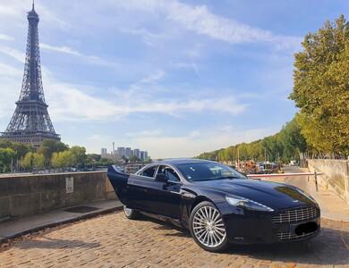 Aston Martin Rapide à Paris (4ème arr.)