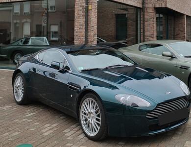 Aston Martin V8 Vantage à Faches-Thumesnil (Nord)