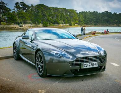 Aston Martin V8 Vantage à Vannes (Morbihan)