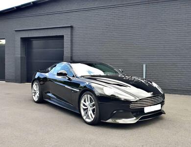 Aston Martin Vanquish 6.0 V12 à Paris (17ème arr.)