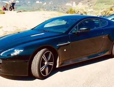 Aston Martin Vantage à Rouen (Seine-Maritime)