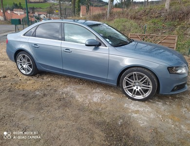 Audi A4 3.2v6 Quatro à Le Puy-en-Velay (Haute-Loire)