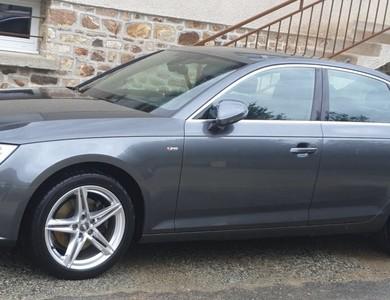 Audi A4 à Saint-Christophe-du-Luat (Mayenne)