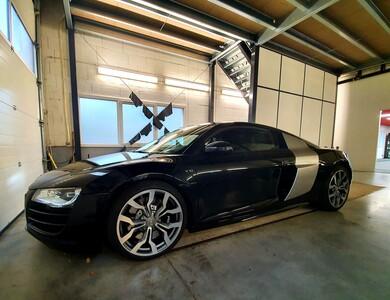Audi R8 V10 à Seyssel (Ain)