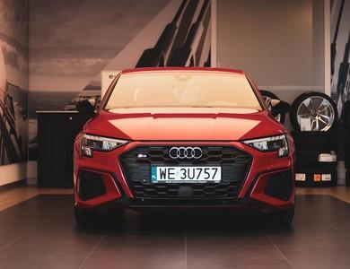 Audi S3 à Paris (8ème arr.)