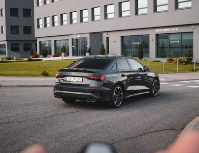 Audi S3 à Paris (17ème arr.)