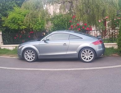 Audi Tt à Saint-Germain-Laval (Seine-et-Marne)