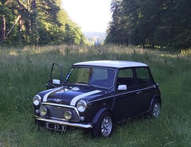 Austin Mini Cooper à Villers-Cotterêts (Aisne)