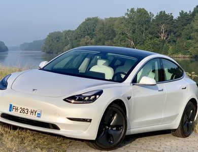 Tesla Model 3 - Grande Autonomie à Agen (Lot-et-Garonne)