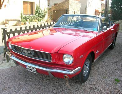 Ford Mustang Cabriolet à Vaulx-en-Velin (Rhône)