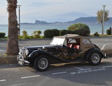 Triumph Gentry(réplique Mg Tf 1954-55) à La Ciotat (Bouches-du-Rhône)