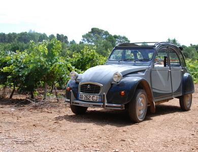 Citroen 2cv à Berre-l'Étang (Bouches-du-Rhône)