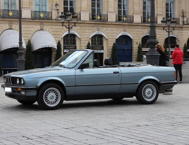 Bmw 325i E30 à Paris (9ème arr.)