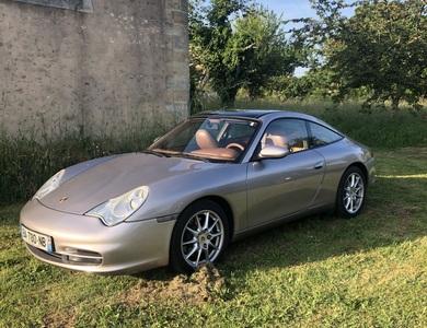 Porsche 911 Type 996 Targa à Saint-Ouen (Seine-Saint-Denis)