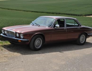 Jaguar Xj12 à Vincennes (Val-de-Marne)