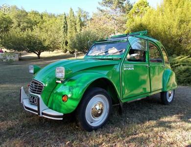 Citroen 2 Cv à Carcans (Gironde)